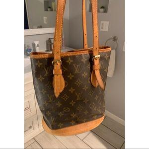 Authentic Louis Vuitton Bucket Bag Clean Cond.